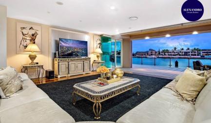 4pt5-million-dollar-surfers-paradise-dream-mansion