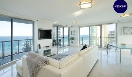 resort-style-beach-apartment-surfers-paradise